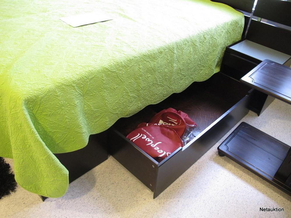 Försäljningsobjekt Komplett möbelset för sovrummet